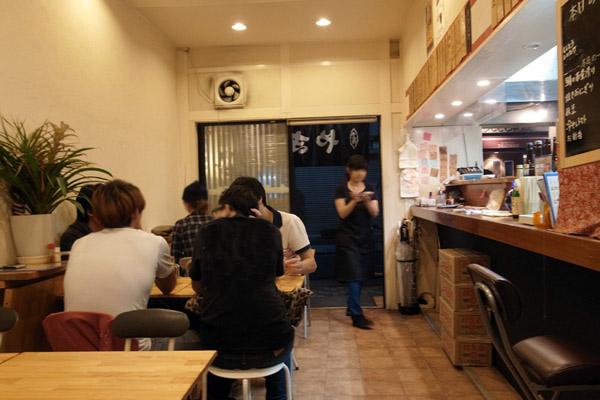 武蔵小杉店の店内の様子